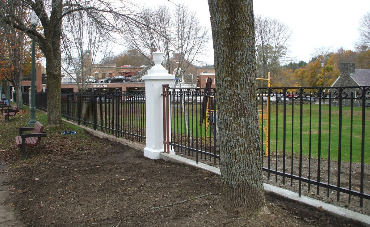 Bowling Green fencing
